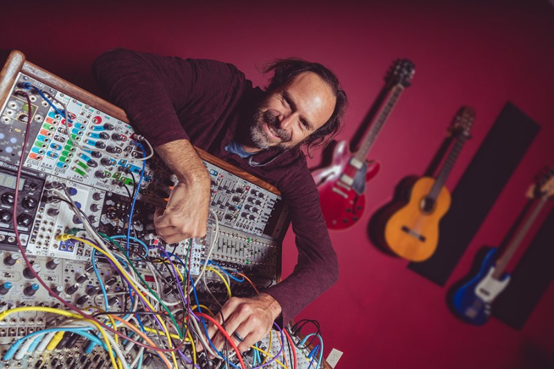 Joel Laviolette and his modular - Photo by Ismael Quintanilla III