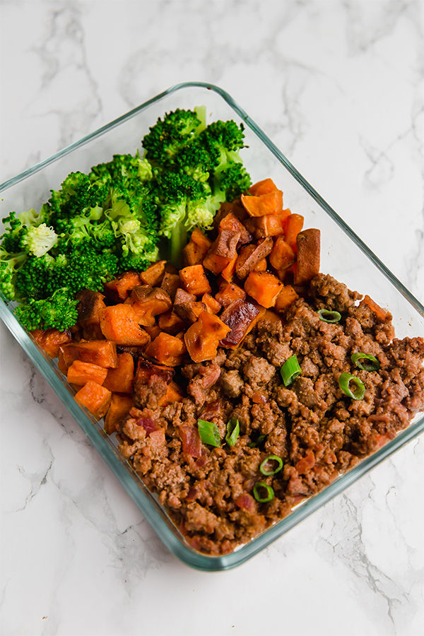 sloppy joe meal prep bowls in glass meal prep container