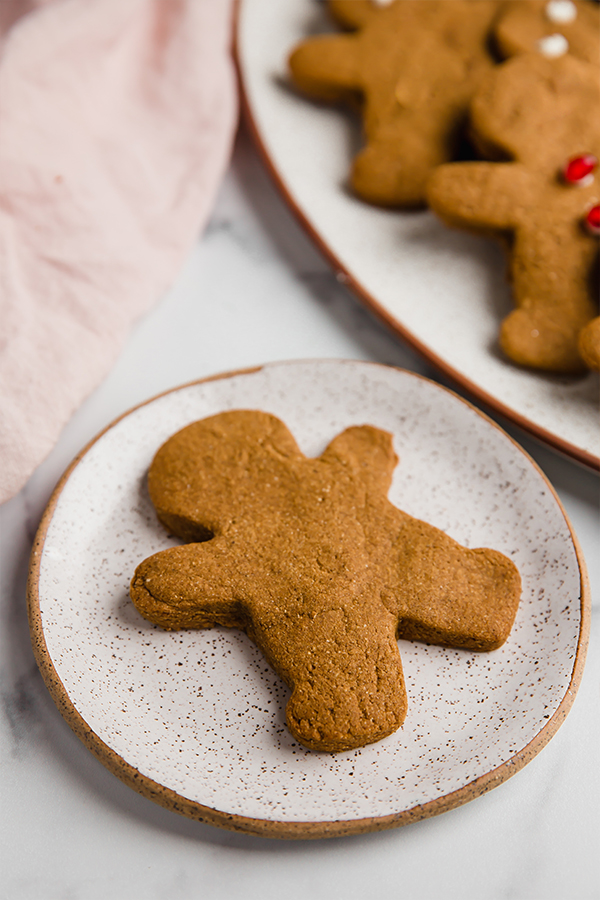 Gingerbread cookie on a small round plate
