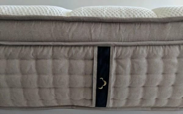 Dreamcloud mattress handle