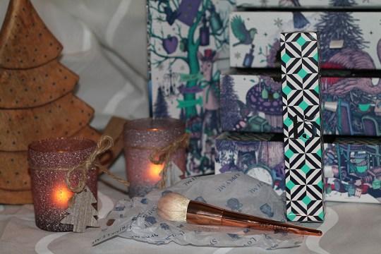 Lookfantastic tapered powder brush Make-up Pinsel