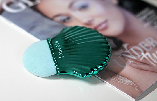 Inuwet Mermaid Shell Brush