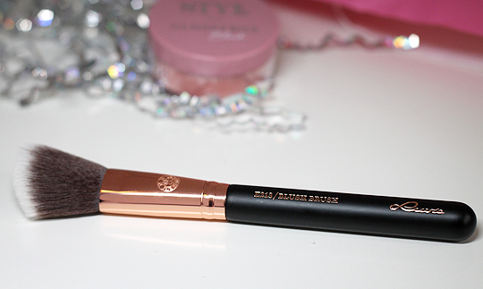 Luvia E213 Blush Brush Rougepinsel