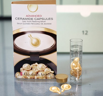 Kästchen 12: Elizabeth Arden Advanced Ceramide Capsules