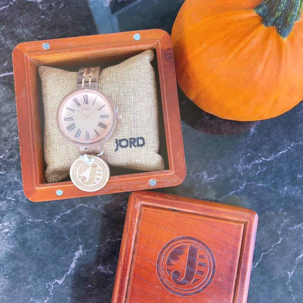 Trending: Accessorize your fall outfit with a unique wood watch