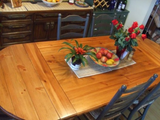UNCLE HANDY-Handyman Dining Room Table
