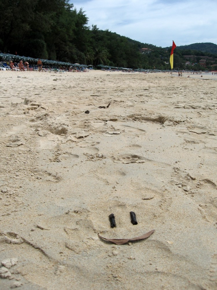 Thai beach smileys (3/3)