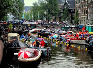 The annual Prinsengracht Concert is the highlight of the Grachtenfestival.