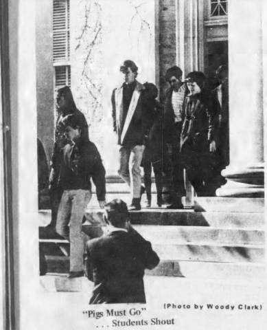 Students Leaving Manning Hall, Photo by Woody Clark in The Daily Tar Heel, 14 March 1969, Page 1.