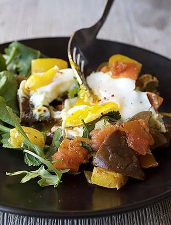 Mediterranean Poached Eggs (GF, Paleo, DF, Oil-Free, Vegetarian)