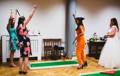 9 hole event hire - mini golf for weddings - wedding entertainment - alternative wedding entertainment 4