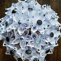 arlo arts - whitebouquet1532300060 - alternative wedding bouquet