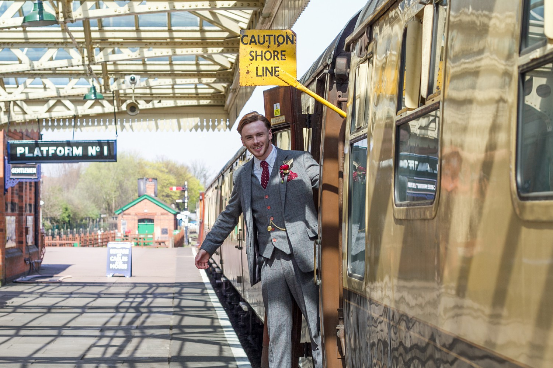 Iso Elegant Photography - Leicester wedding network - Railway wedding - vintage wedding 25