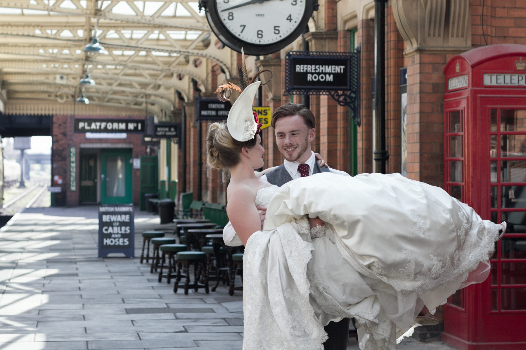 Iso Elegant Photography - Leicester wedding network - Railway wedding - vintage wedding 27