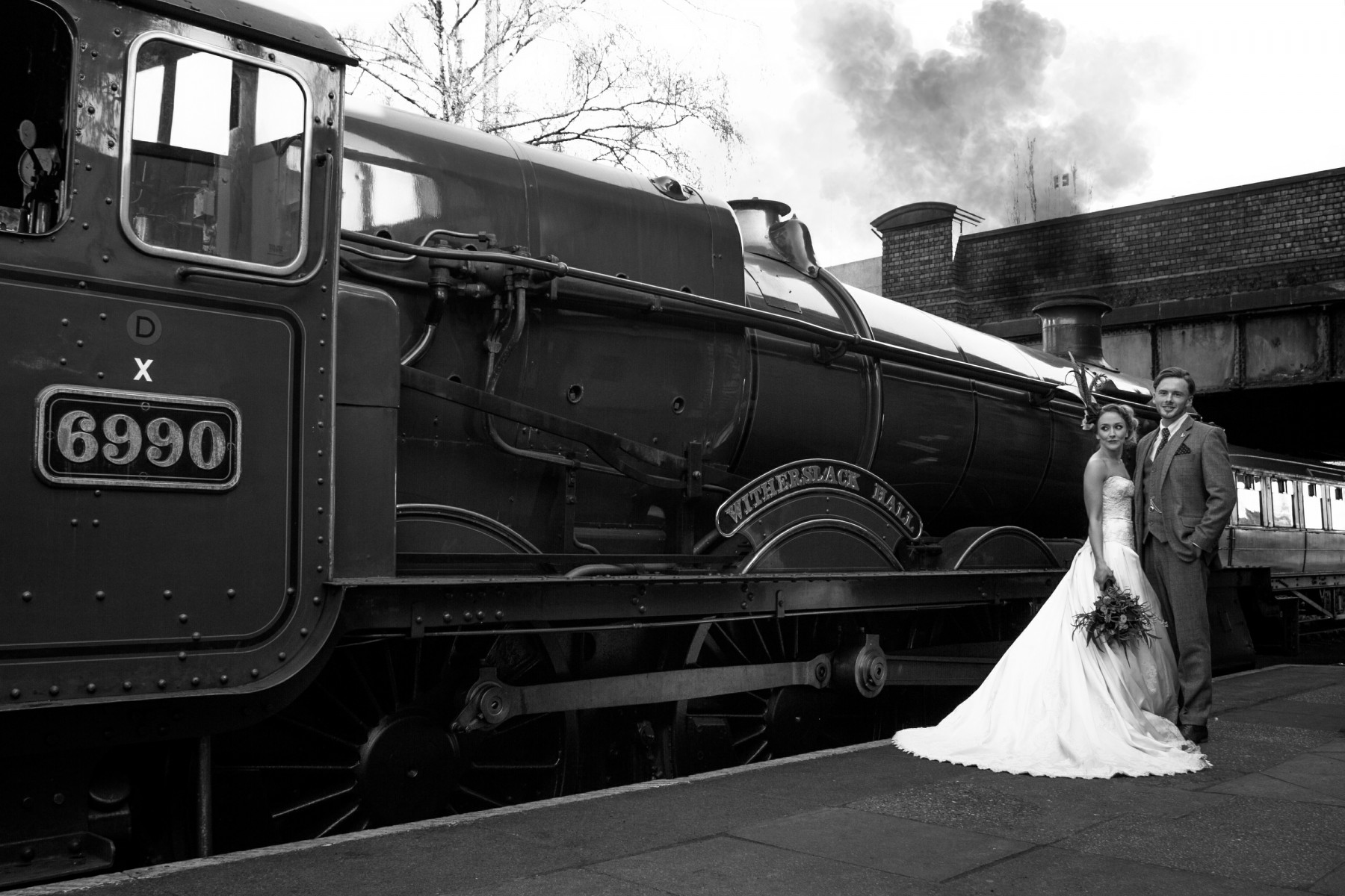 Iso Elegant Photography - Leicester wedding network - Railway wedding - vintage wedding 31