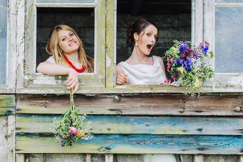 Yvonne Lishman Photography - Bridesmaid - Unconventional Wedding Banner Picture