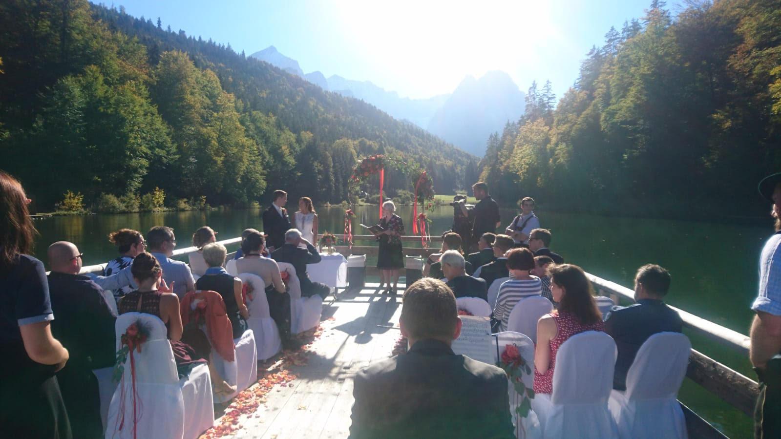 Yvonne Beck Celebrant - outdoor wedding ceremony - lake - alternative wedding - unconventional wedding