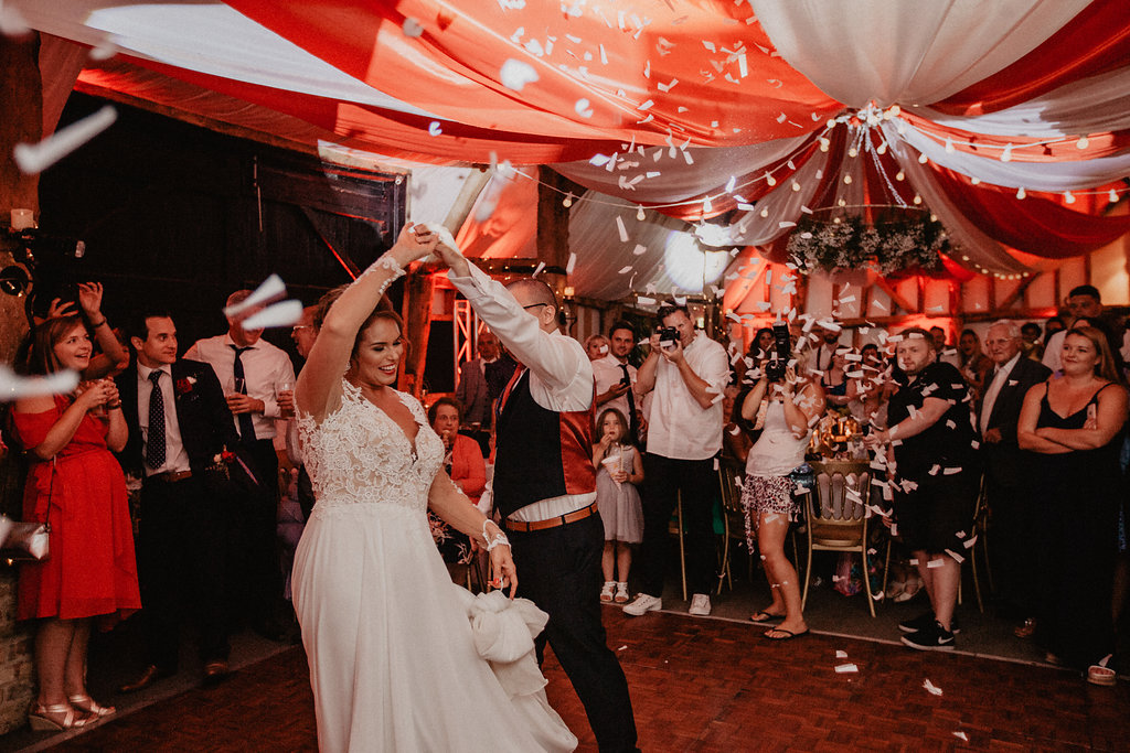 EmilyandGeoff- Nicki Shea Photography- Circus Wedding first dance