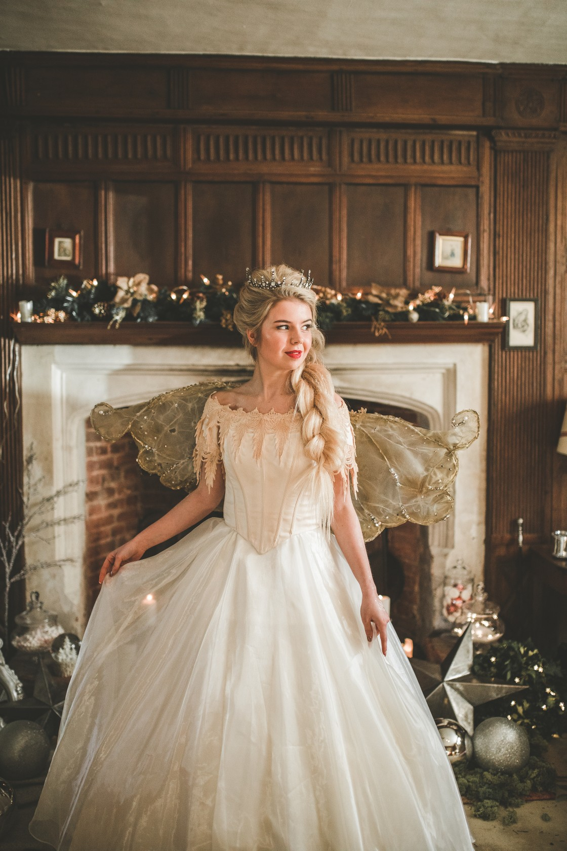 christmas wedding - Victoria Taylor-Christmas Fairy-Laura Beresford Photography- dress (2)