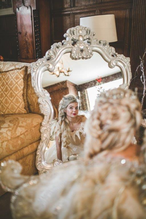 christmas wedding- victoria taylor- laura beresford photography- mirror