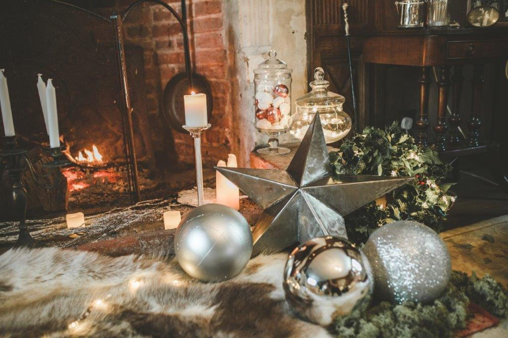 christmas wedding- victoria taylor- laura beresford photography- star