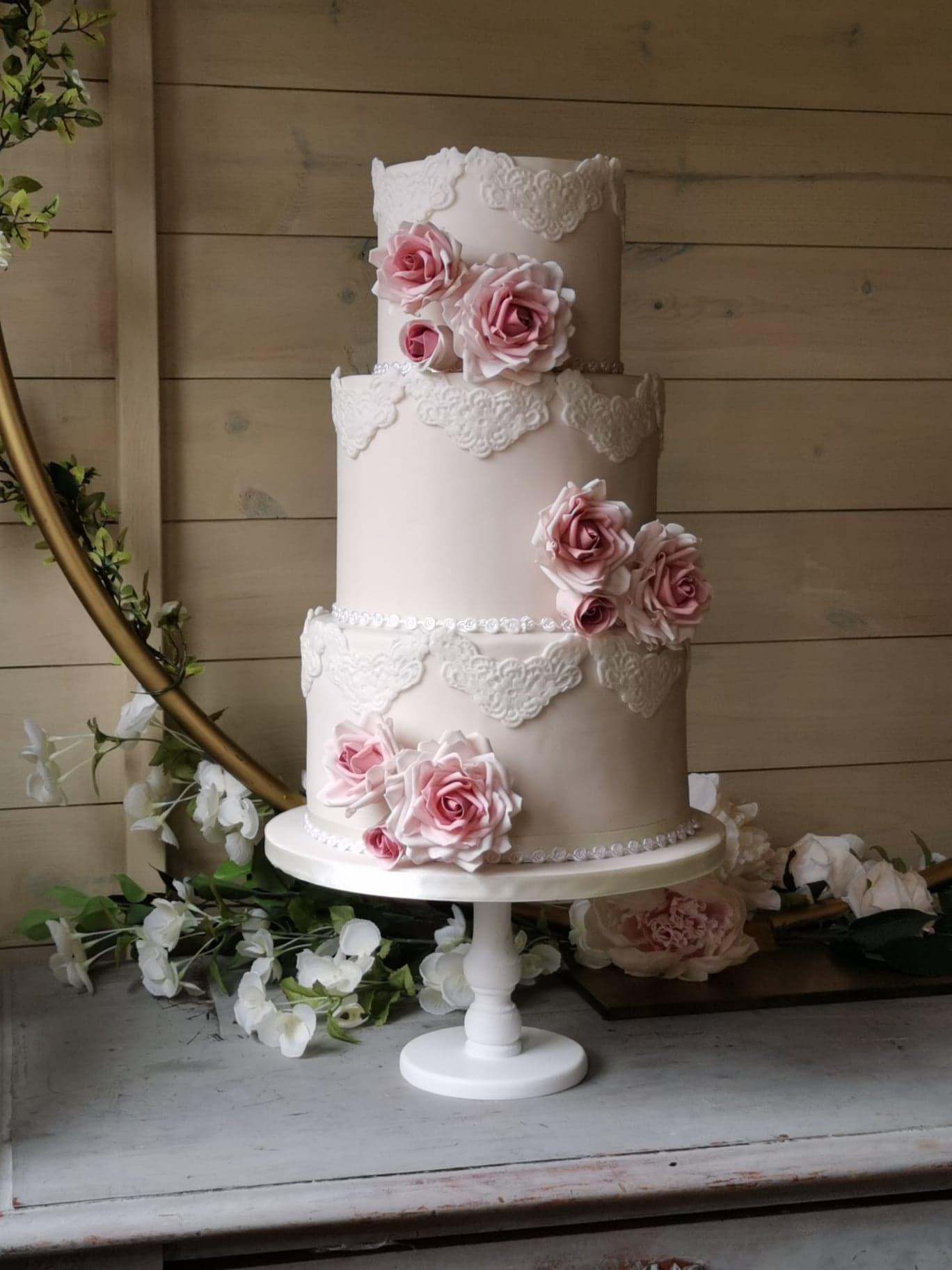 My Little Studio - Creative wedding cakes - individual wedding cakes - alternative wedding cakes 4