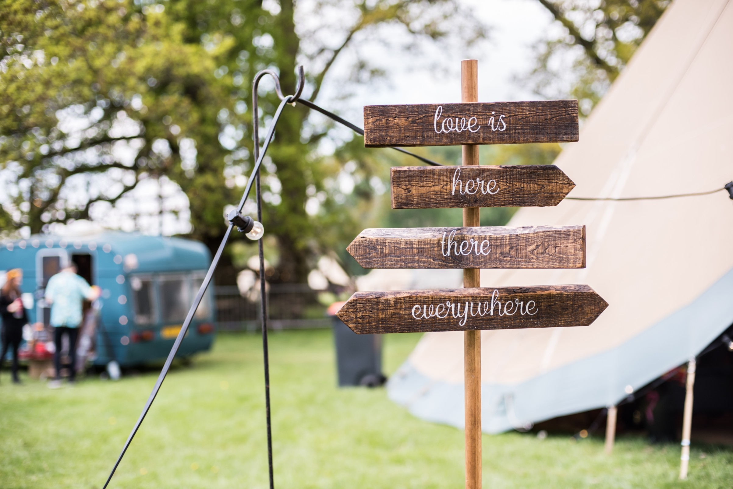 how to plan a festival wedding - unconventional wedding festival - wedding signs - matt glover photography (2)