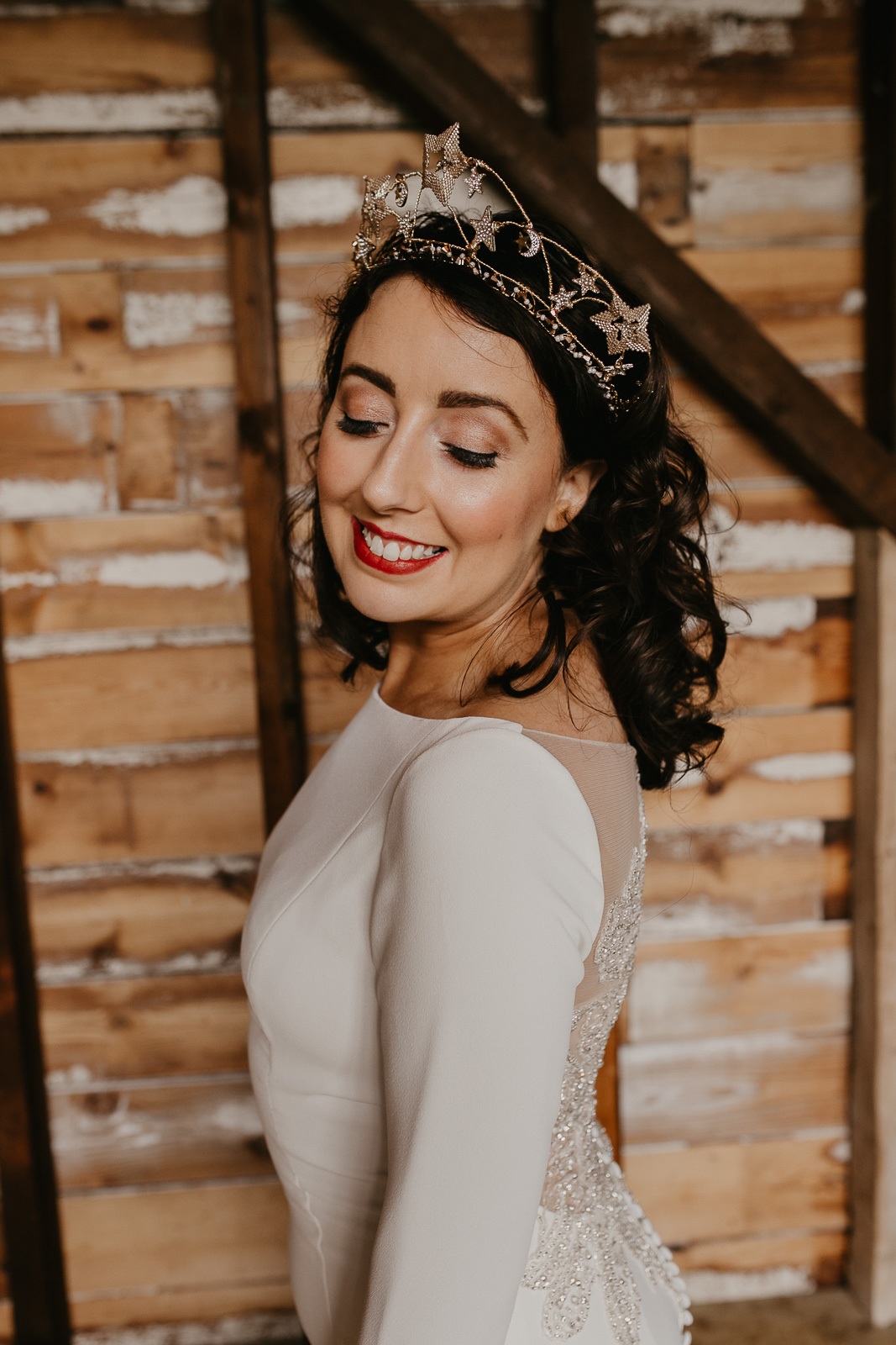 Modern barn wedding- jessica lily photography- unconventional wedding- wedding headpiece- celestial wedding headpiece- unique bridal accessories