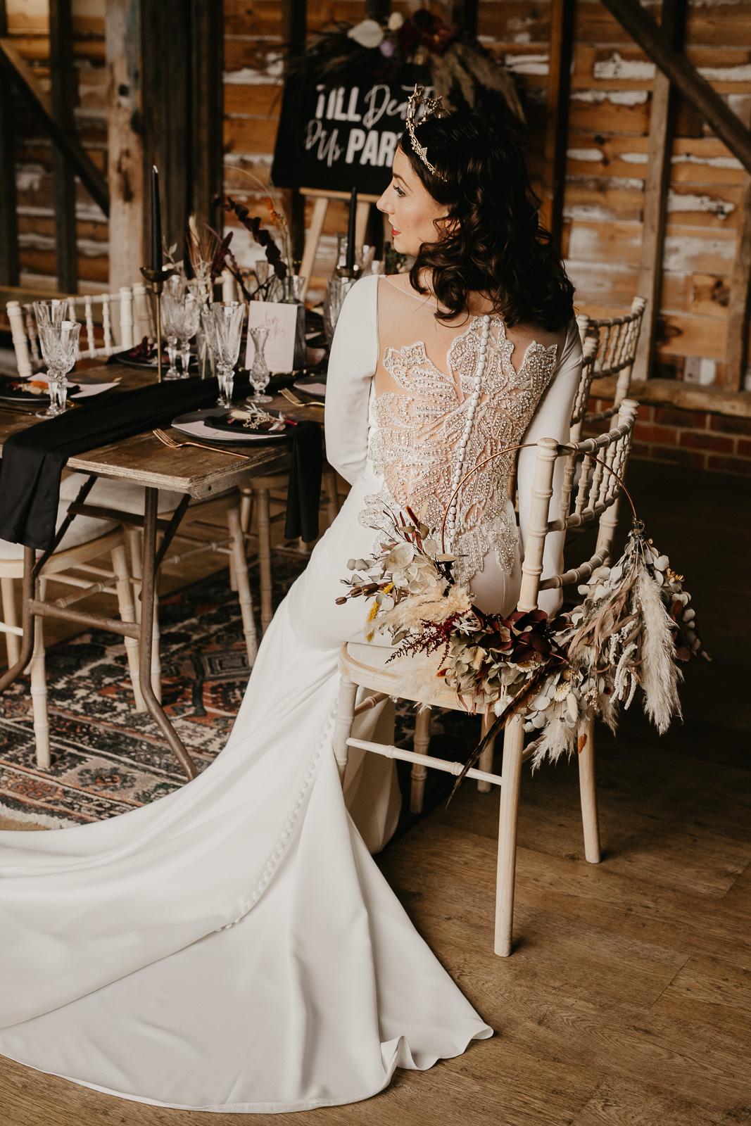 Modern barn wedding- jessica lily photography- unconventional wedding- alternative bridalwear