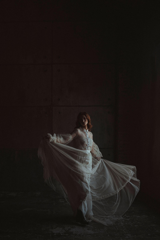 Decadent Wedding Inspiration- Moody Wedding Inspiration- Sudio Fotografico Bacci- Unconventional Wedding- bride dancing- alternative wedding dress