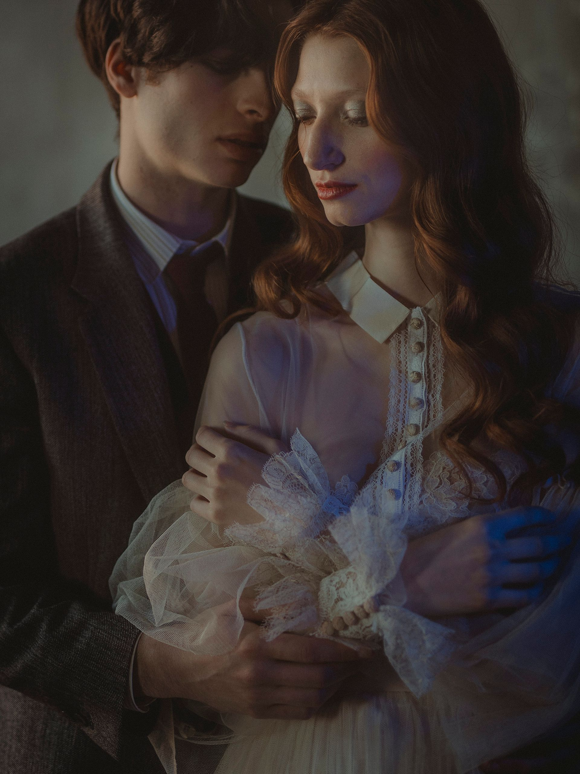 Decadent Wedding Inspiration- Moody Wedding Inspiration- Sudio Fotografico Bacci- Unconventional Wedding- vintage wedding photography