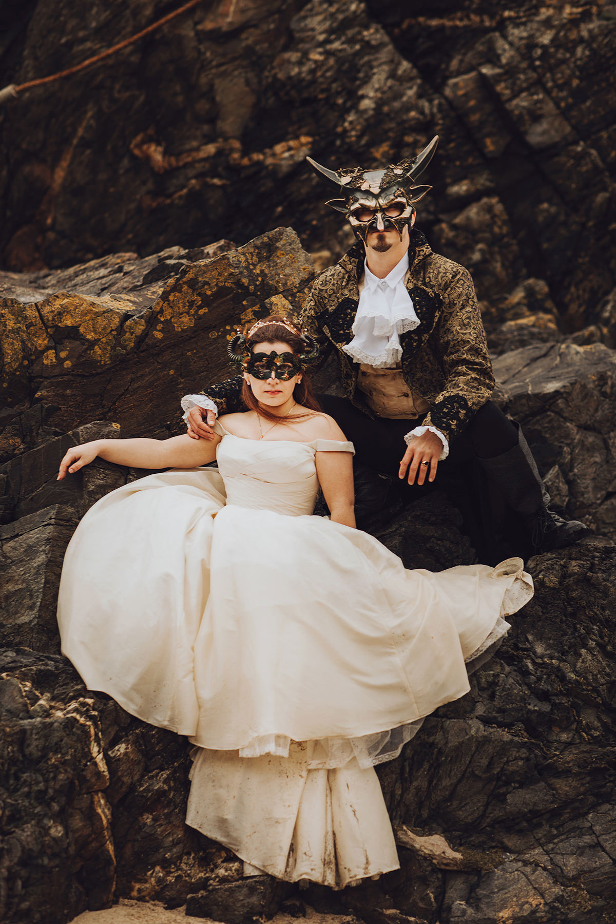 Labyrinth wedding - masquerade bride and groom - movie themed wedding - Boho Cornwall wedding venue - Honeydew Moments Photography (41)