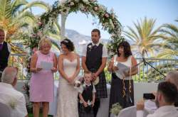 Nikki Kulin Professional Celebrant- Spanish Celebrant- Unique celebrant- wedding celebrant- personalised wedding ceremony- Spanish Wedding