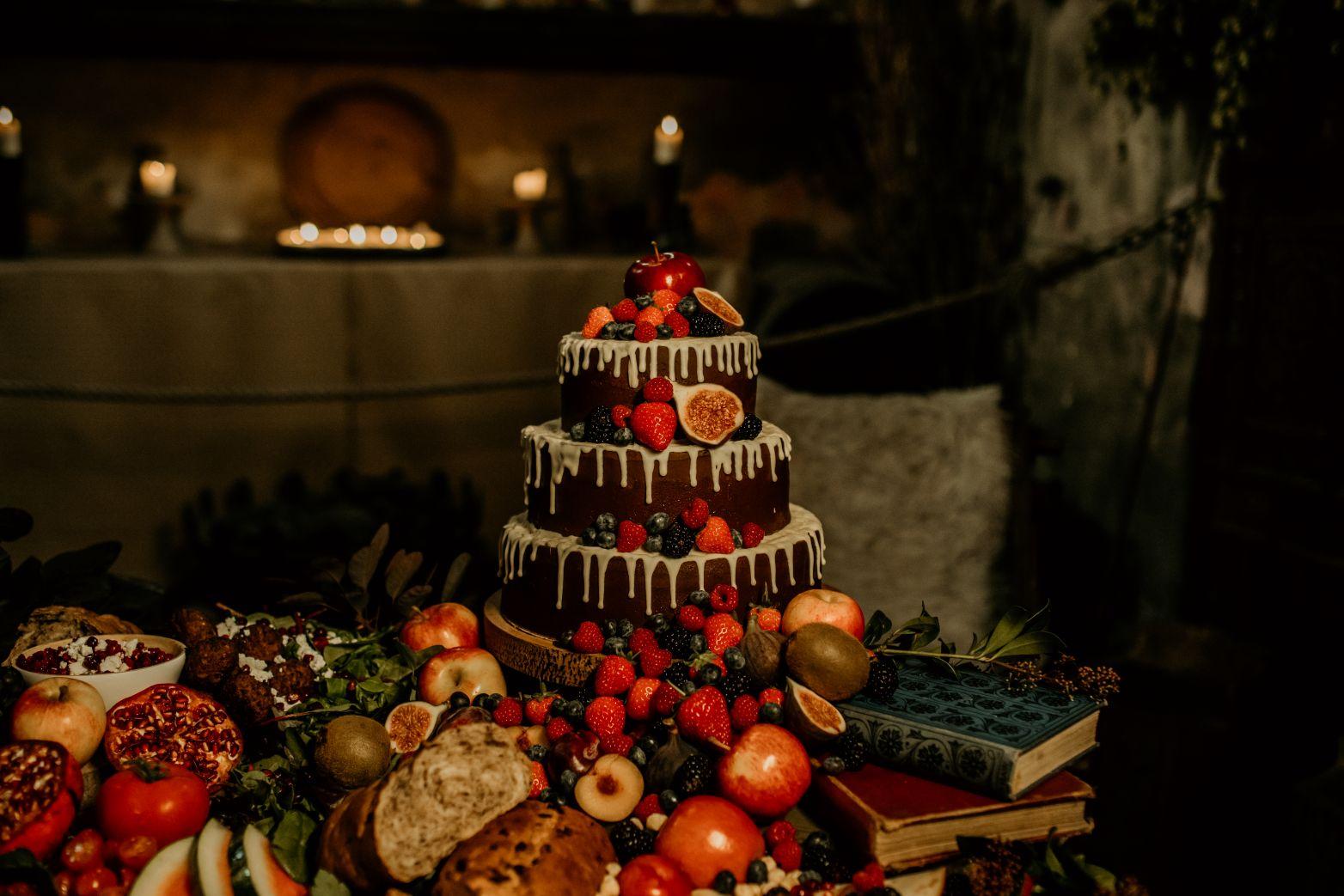 alternative fairytale wedding- snow white wedding- charlotte laurie designs-chloe mary photo- unconventional wedding- alternative wedding inspiration- unique wedding cake