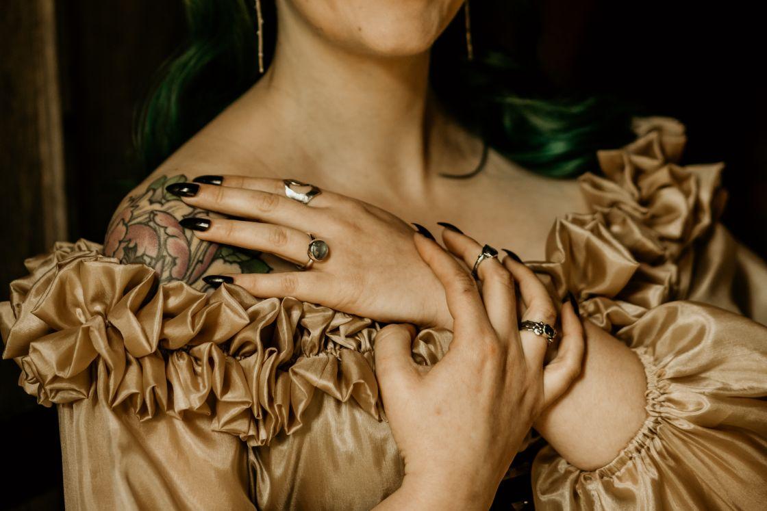 alternative fairytale wedding- snow white wedding- charlotte laurie designs-chloe mary photo- unconventional wedding- alternative wedding inspiration- unique wedding jewellery