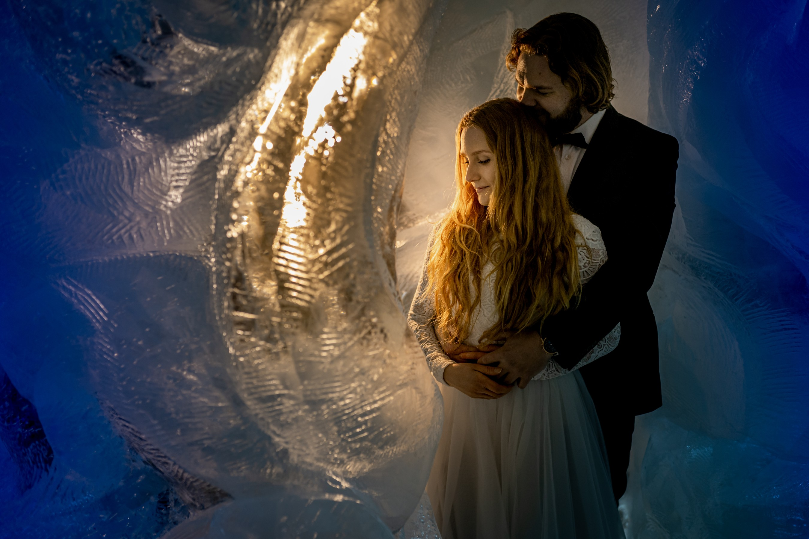 winter wedding at icehotel sweden - cinematic wedding photography - ice wedding - elopement in sweden - creative wedding photographer - unconventional wedding - alternative wedding - unique wedding - artistic wedding - ice hotel wedding