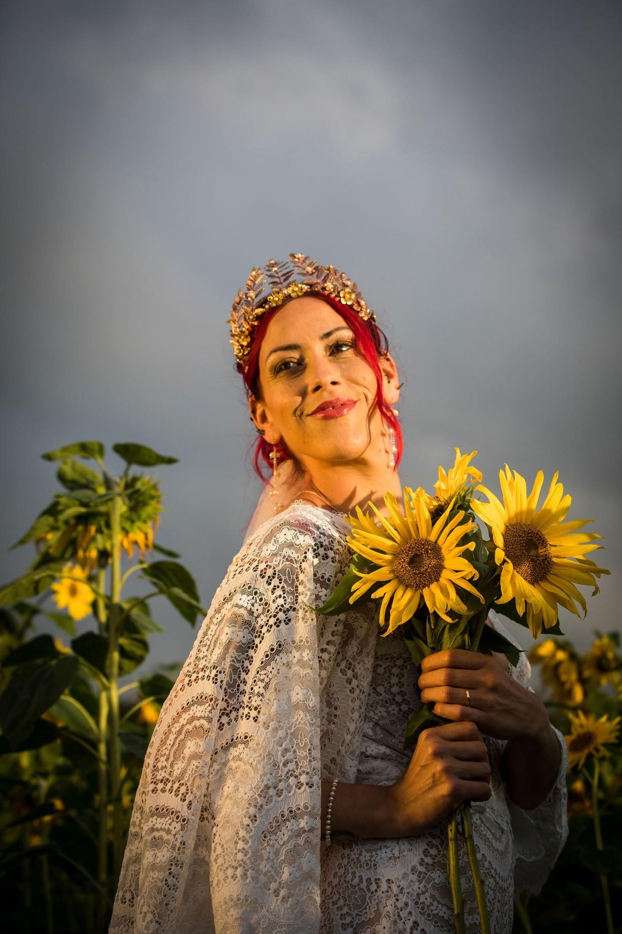 sunflower themed wedding - unconventional wedding - sunflower wedding - autumn wedding - alternative wedding planning - alternative wedding