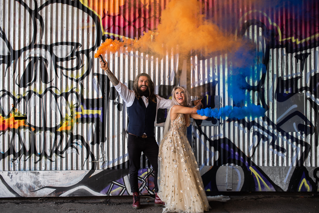 colourful urban wedding - alternative wedding - modern wedding - city wedding planning - quirky wedding inspiration- colourful wedding inspiration - edgy wedding - wedding photo with smokebomb
