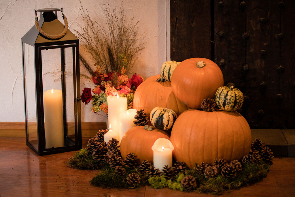 autumn wedding - halloween wedding - wedding pumpkins