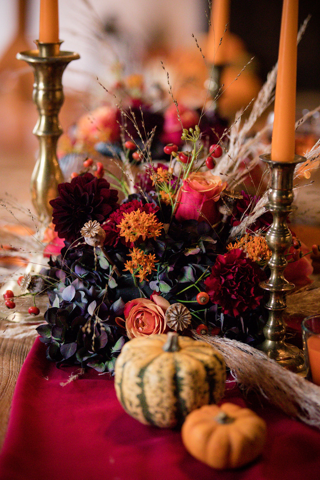 dark autumn wedding - wedding pumpkins - autumn wedding flowers - autumn wedding styling