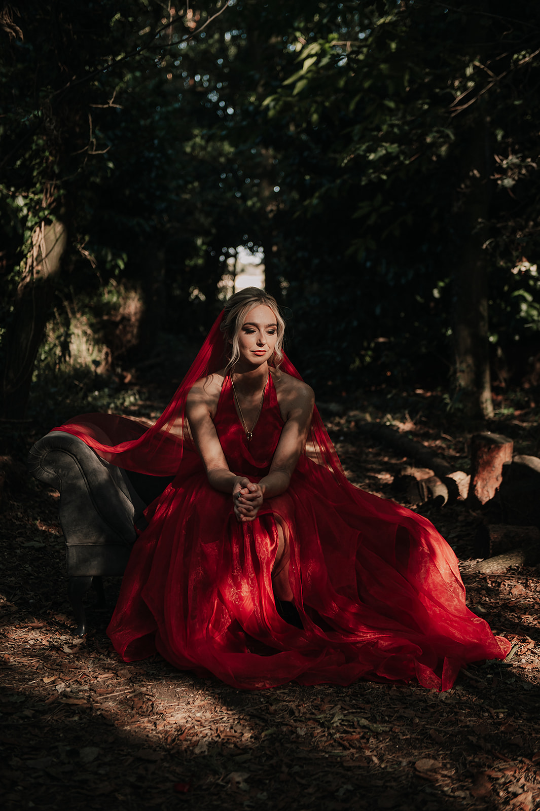 red wedding dress - red veil - alternative bridalwear, alternative wedding dress, coloured wedding dress
