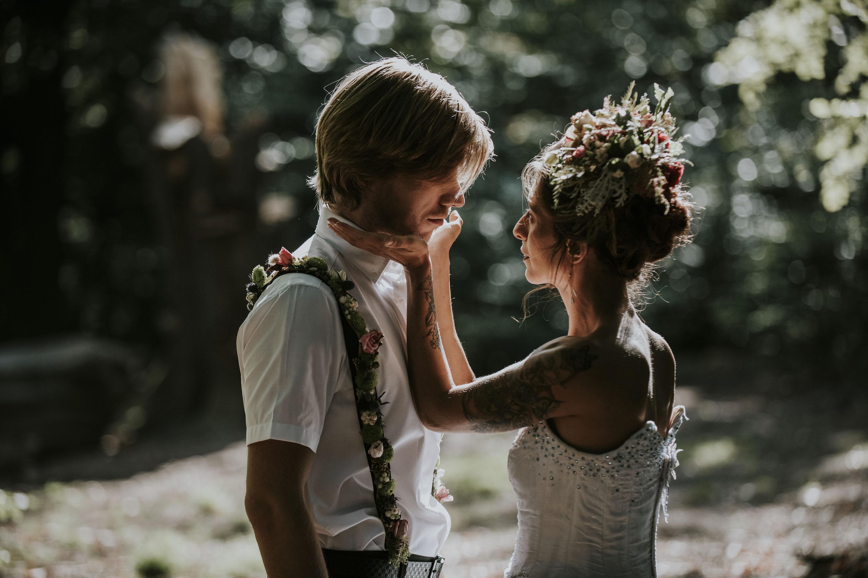 ethereal wedding photo - floral wedding inspiration - magical wedding photo