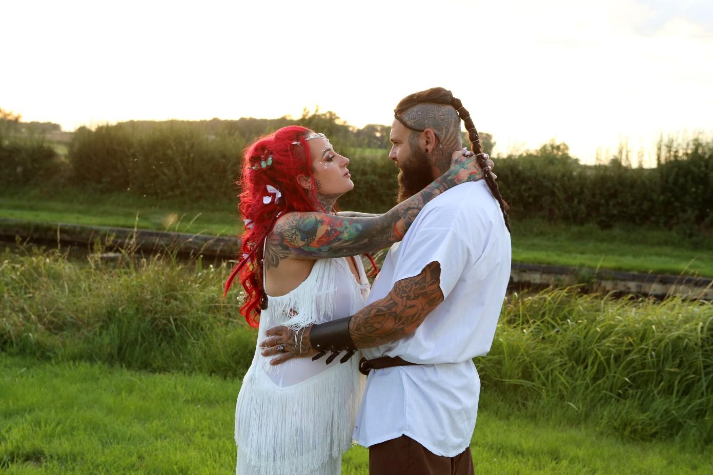 festival viking wedding - alternative couple wedding photos