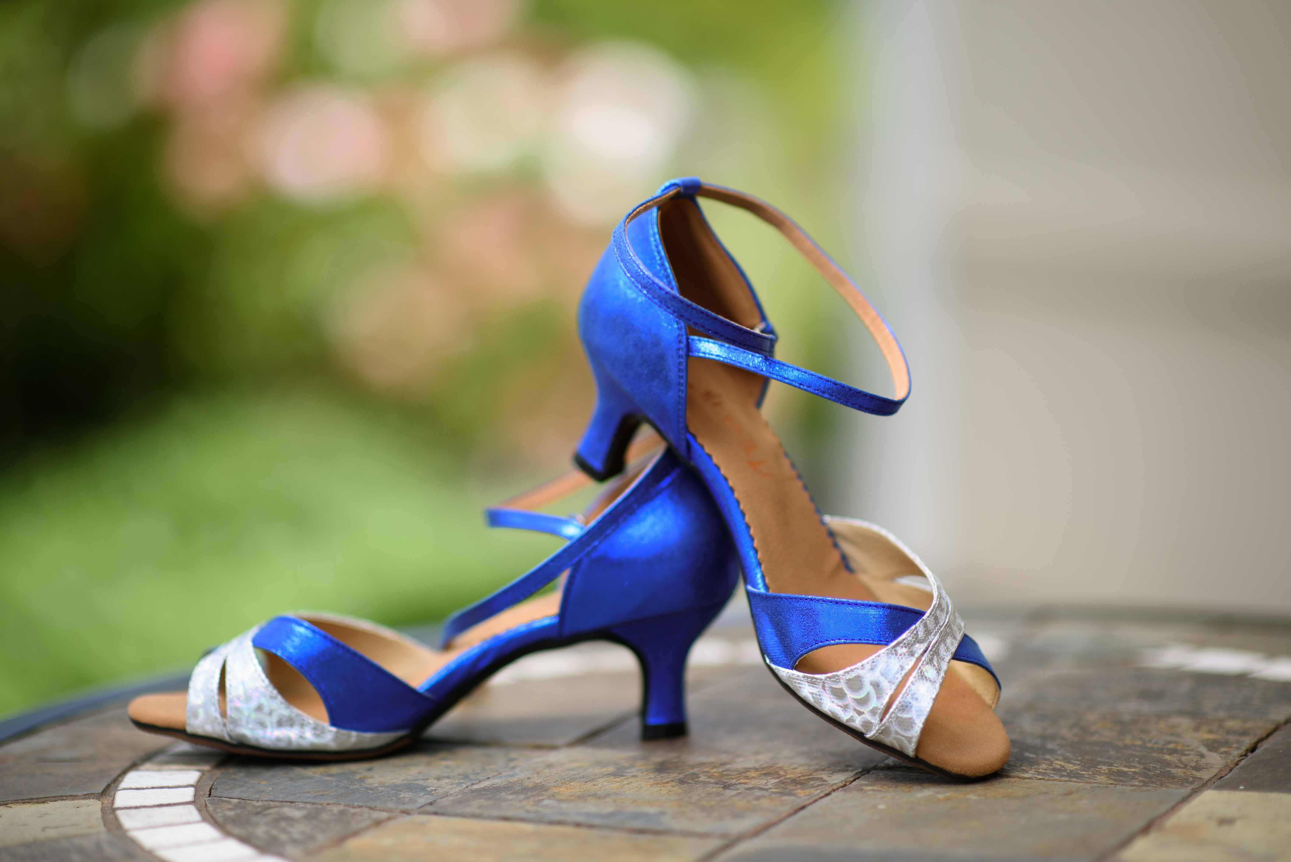 blue bridal shoes - dr who wedding accessories - unconventional wedding