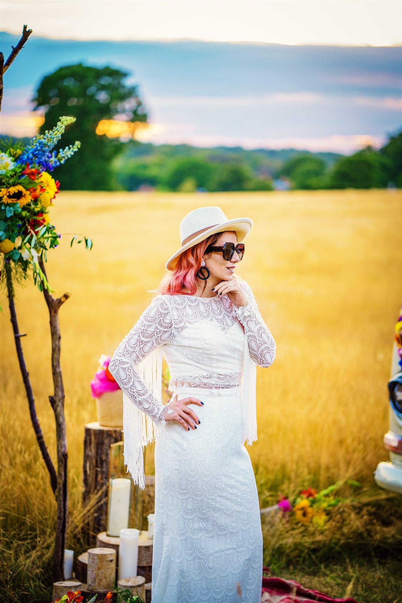 70s wedding look - bohemian wedding dress - colourful bohemian wedding - 70s wedding - campervan wedding - hippie wedding