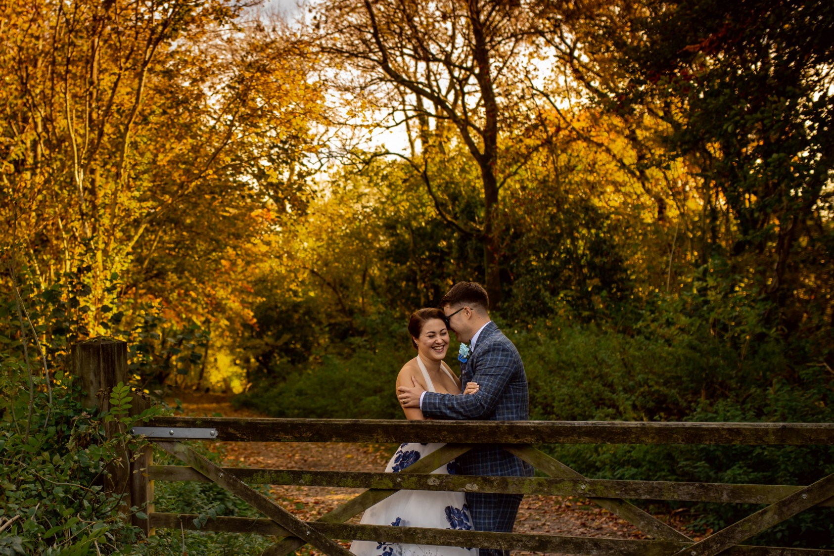 autumnal wedding photos - cotswolds wedding - creative covid wedding - artistic wedding photography