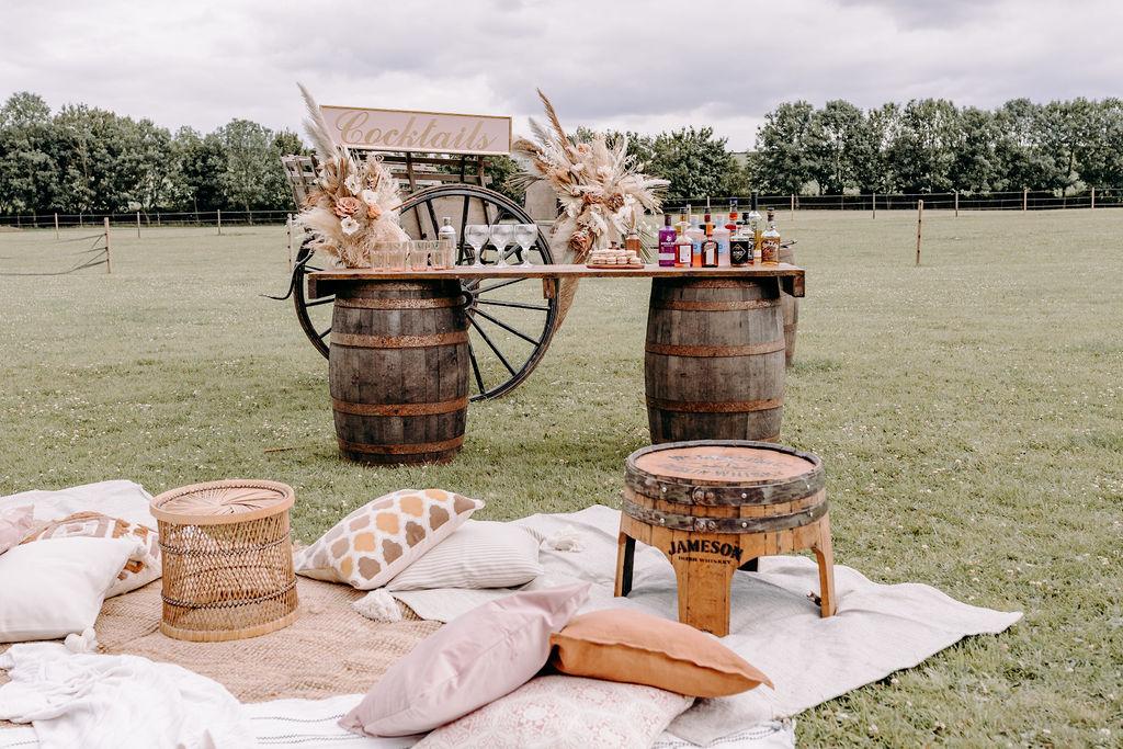 sustainable boho wedding - rustic wedding - micro wedding inspiration - small outdoor wedding - unconventional wedding