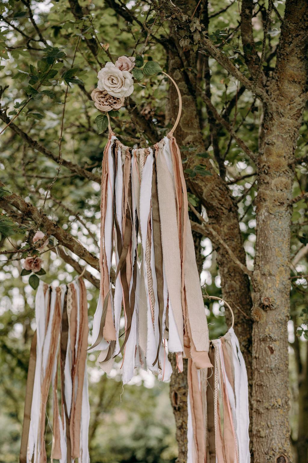 sustainable boho wedding - boho wedding styling - wedding dream catcher - bohemian wedding decor - unconventional wedding