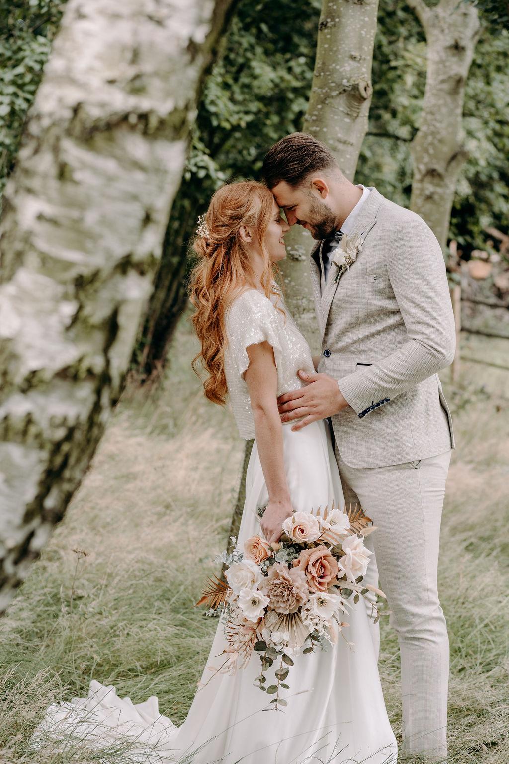 sustainable boho wedding - bohemian wedding photos - boho micro wedding - rustic wedding -romantic wedding photos