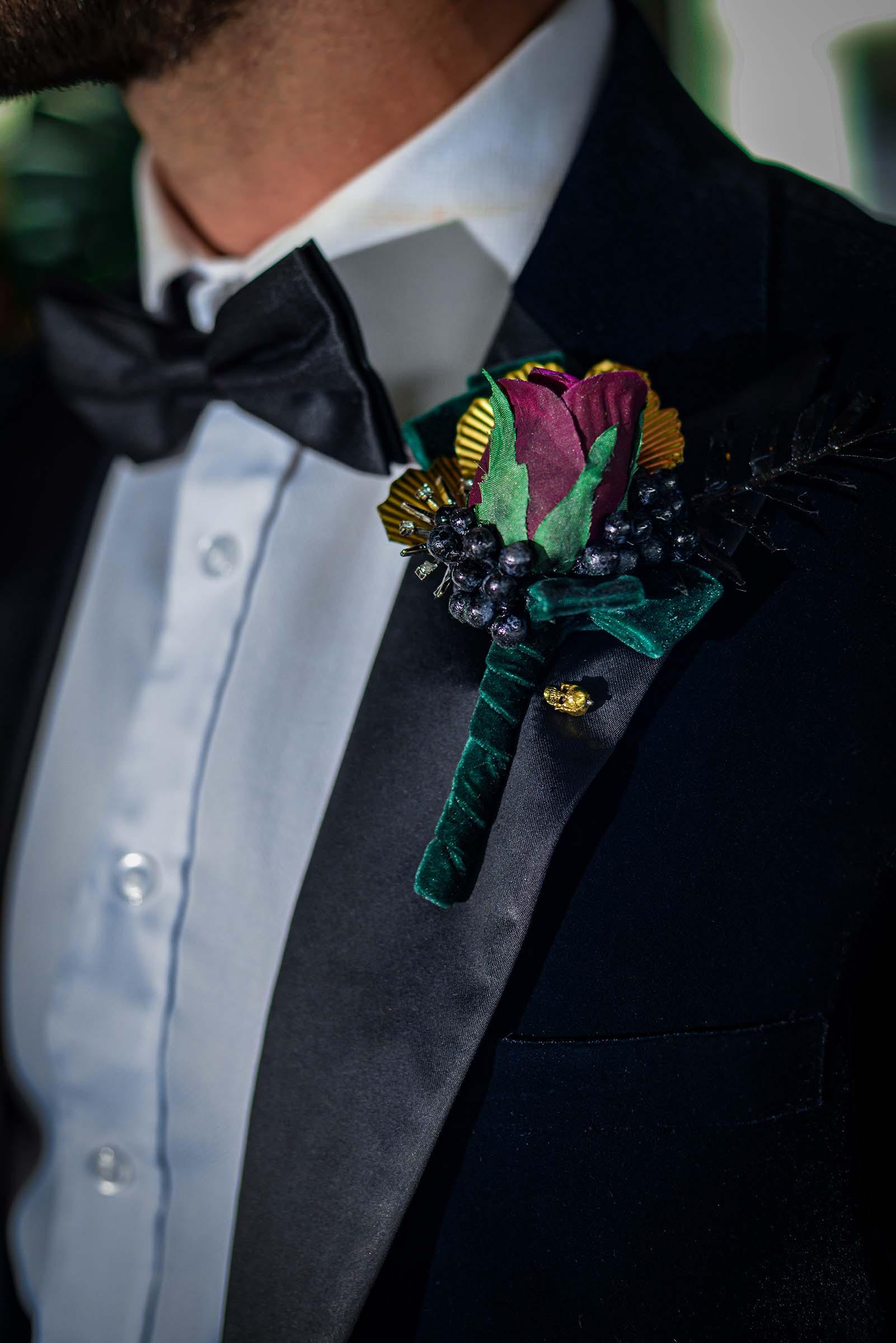 alternative luxe wedding - slytherin wedding - gothic wedding - alternative wedding - alternative wedding buttonhole